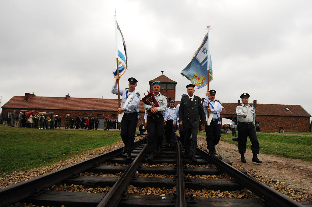 Flickr_-_Israel_Defense_Forces_-_IDF_'Witnesses_in_Uniform'_Delegation_March_Into_'Auschwitz-Birkenau'_Concentration_Camp